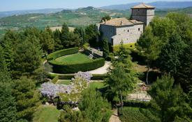 Medieval castle, Umbria, Italy for 1,870,000 €