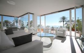 Renovated apartment with a terrace and a sea view, in a community with a pool and a parking, Magaluf, Spain for 995,000 €