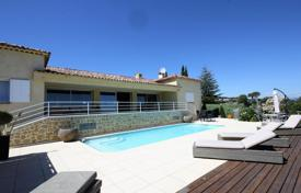 Luxury 4 bedroom houses for sale in Vallauris. Cottage with a sea and mountain view, Vallauris, France