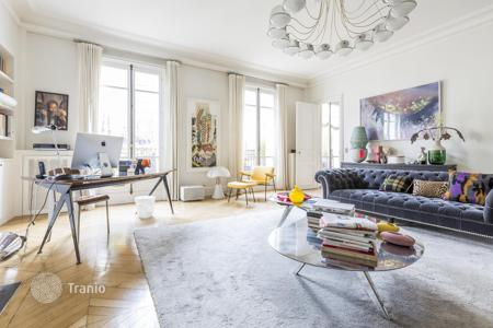 Luxury apartments for sale in Paris. Prestigeous apartment in Paris 16, Ile-de-France, France