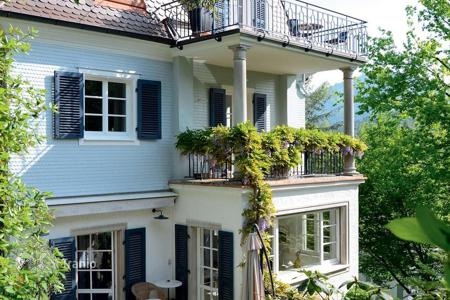 Luxury residential for sale in Black Forest (Schwarzwald). Restored three-storey villa in the classical style, with a balcony and a patio in the garden, in the center of Baden-Baden, Germany