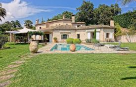 Residential for sale in Tanneron. Provencal villa with a pool, a garden and mountain views, Tanneron, France
