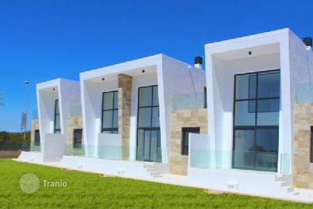 Residential for sale in Villamartin. Plot 120 m² 3 Bedrooms 2 Bathrooms Swimming pool