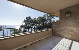 Apartments with pools for sale in Catalonia. Three-bedroom apartment with a spacious terrace and a sea view, on Costa Brava seafront, Lloret de Mar