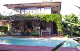 6 bedroom villas and houses by the sea to rent in Lucca. Villa – Forte dei Marmi, Tuscany, Italy