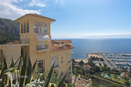 Luxury property for sale in Beaulieu-sur-Mer. Sumptuous sea view apartment Beaulieu Sur Mer
