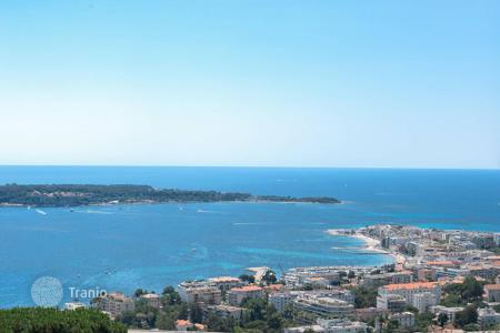 3 bedroom houses for sale in Cannes. Cannes — Californie — Panoramic sea view