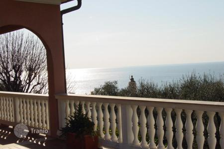 Luxury property for sale in Bordighera. Sea view villa for sale in Bordighera