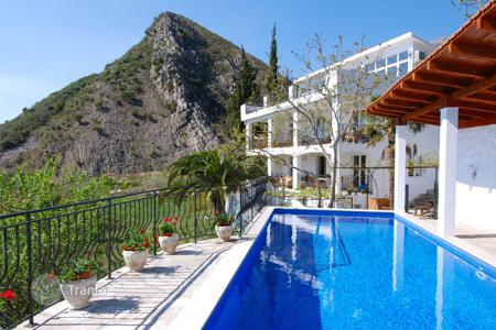 5 bedroom houses by the sea for sale in Budva. Villa – Budva, Montenegro