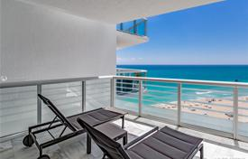 Renovated furnished oceanfront apartment in Miami Beach, Florida, USA for $3,000,000