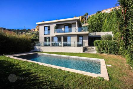 4 bedroom houses for sale in Villefranche-sur-Mer. Villa with panoramic views of the sea in Villefranche-sur-Mer