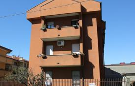 Cheap apartments for sale in Monza. Apartment – Monza, Lombardy, Italy