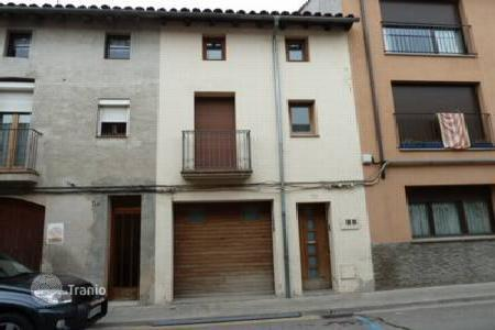 Cheap 2 bedroom houses for sale in Catalonia. Villa - Manlleu, Catalonia, Spain