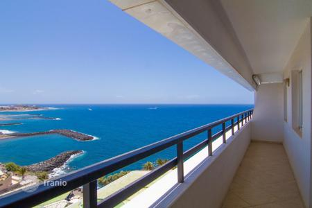 Property for sale in Adeje. Penthouse with stunning views of the sea and the mountains in Tenerife