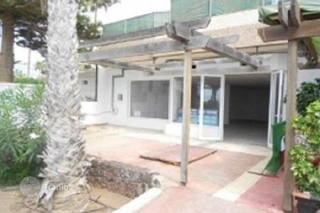 Office buildings for sale in Spain. Commercial property with a terrace, near the seafront, Tenerife, Spain. Interesting investment offer!