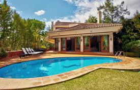 Beautiful and Graceful Villa, El Herrojo Alto, La Quinta Golf, Benahavis for 1,450,000 €