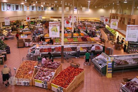 Supermarkets (street retail) for sale in Bavaria. Supermarket in Bayern with a 8% yield