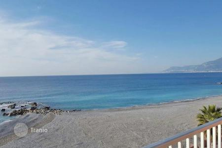 Property for sale in Ventimiglia. Apartment – Ventimiglia, Liguria, Italy