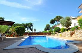 3 bedroom houses for sale in Costa Brava. Villa – Lloret de Mar, Catalonia, Spain