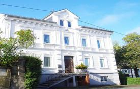 Property for sale in North Rhine-Westphalia. Bright three-storey villa with a mezzanine and a well-maintained garden, Siegen, North Rhine-Westphalia, Germany