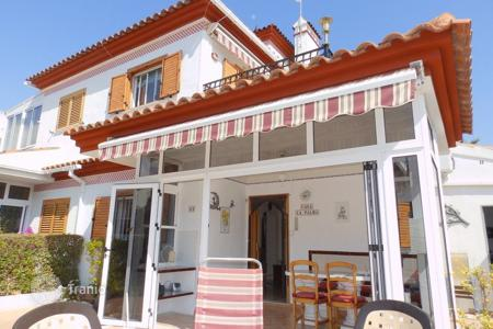 Cheap residential for sale in Mil Palmeras. Townhouse of 2 bedrooms in Pilar de la Horadada
