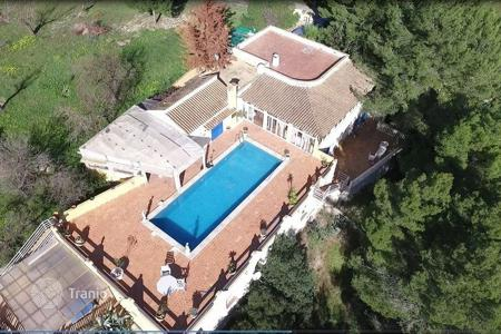 Houses with pools for sale in Es Capdellà. Villa – Es Capdellà, Balearic Islands, Spain