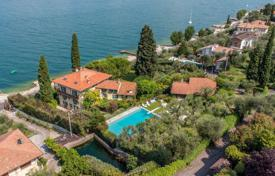 Luxury houses with pools for sale in Veneto. Villa – Brenzone sul Garda, Veneto, Italy