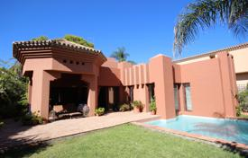 4 bedroom houses for sale in Marbella. Exotic Villa in Atalaya de Rio Verde, Nueva Andalucia