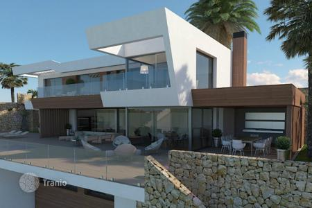 Luxury houses with pools for sale in Moraira. New build villas of 4 bedrooms in Moraira