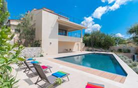 Villas and houses to rent in Mougins. Villa Lumineuse