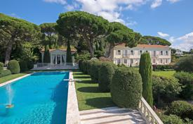 Residential to rent overseas. Majestic villa with sea view Cannes