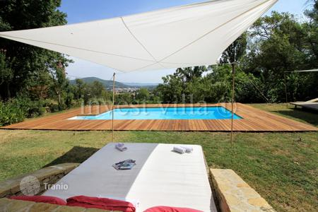 Property to rent in Côte d'Azur (French Riviera). Villa - Solliès-Pont, Côte d'Azur (French Riviera), France