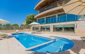 5 bedroom villas and houses to rent in Balearic Islands. Villa – Majorca (Mallorca), Balearic Islands, Spain