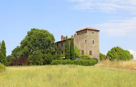 Houses with pools for sale in Lazio. Prestigious farmhouse for sale in Lazio/ restored farmhouse for sale in Lazio