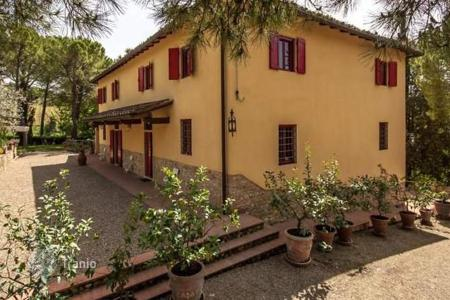 Property for sale in Montespertoli. Villa – Montespertoli, Tuscany, Italy