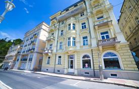 Designer apartment fcing the city's famous colonnade in Marianske- Lazne for 209,000 €