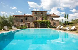 Luxury houses for sale in Southern Europe. Luxury old villa with а swimming pool, Tuscany, Italy