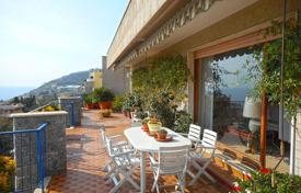 Coastal penthouses for sale in Liguria. Elegant penthouse in San Remo, Italy. Apartment with a spacious terrace of 100 m² and a panoramic sea view