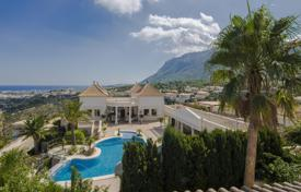 Luxury houses with pools for sale in Denia. Villa – Denia, Valencia, Spain