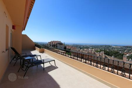 2 bedroom houses for sale in Costa del Sol. Duplex Penthouse for sale in Vista Real, Nueva Andalucia