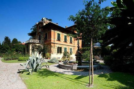 5 bedroom houses for sale in Lucca. Villa – Lucca, Tuscany, Italy