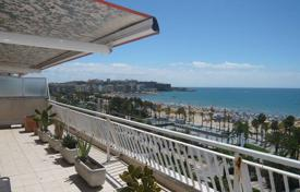 Penthouse with three bedrooms and a large terrace, Salou, Spain for 625,000 €
