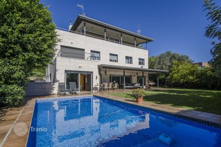 Luxury residential for sale in Esplugues de Llobregat. Villa – Esplugues de Llobregat, Catalonia, Spain
