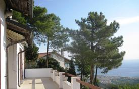 4 bedroom houses for sale in Liguria. Villa – Savona, Liguria, Italy