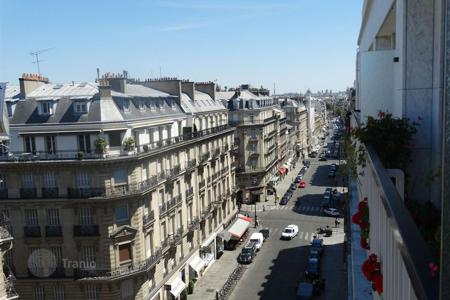 2 bedroom apartments for sale in Paris. Cozy apartment in Paris 8, Ile-de-France, France