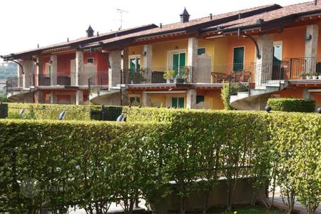 2 bedroom apartments for sale in Lake Garda. Apartment – Lido di Manerba, Lombardy, Italy