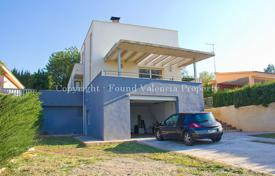 Cheap residential for sale in Montroi. Villa – Montroi, Valencia, Spain