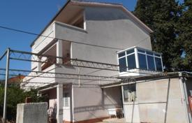 Coastal residential for sale in Crikvenica. House in Kaštel Lukšić