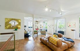 Paris 4th District- Near historic Place des Vosges for 2,480,000 €