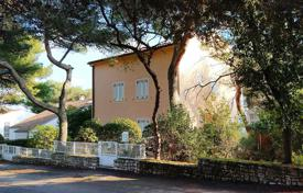Coastal houses for sale in Rovinj. Townhome – Rovinj, Istria County, Croatia